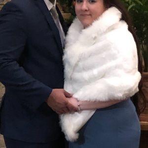White Fur Wedding Wrap 👰 🤍